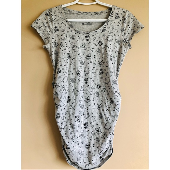Thyme ruched short sleeve maternity top
